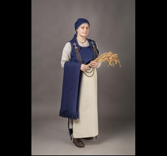 """VII-VIII a. žiemgalių moters archeologinio kostiumo rekonstrukcijos interpretacija © Žiemių pradas """"Simkala"""""""